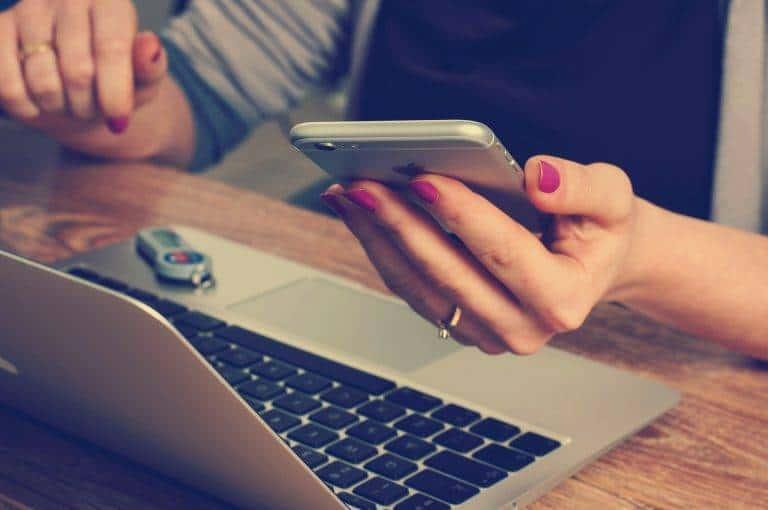 El nuevo mundo de las tabletas amenaza a los portátiles Apple logra vender 14 millones de iPad en 10 meses, 7,3 en los tres últimos