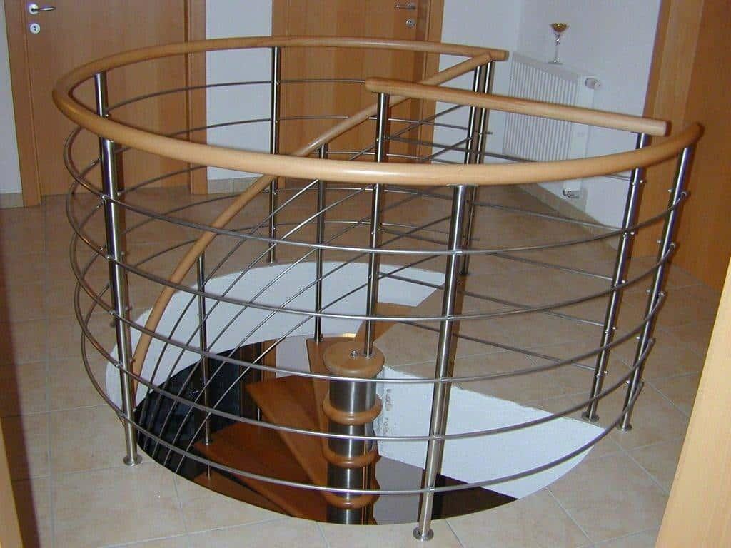 Bricolaje en escalera de caracol